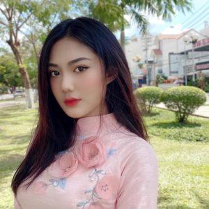 Hot girl Sài thành – Triệu Vy – Một bằng chứng của dậy thì thành công